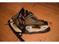 ice skates /ice hockey boots