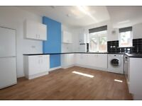 3 bedroom flat in Princess Parade, Golders Green, NW11