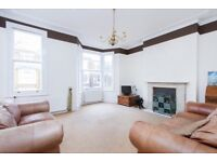 Huge 3 double bedroom split level apartment with private ROOF TERRACE 1 minute from Oval underground