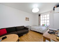 3 DOUBLE BEDROOM FLAT IN THE HEART OF KINGS CROSS! PERFECT FOR STUDENTS! UCL, LSE, KINGS! JULY!