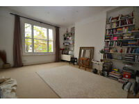 Spacious and modern one bedroom Victorian conversion located in N19 close to Archway underground.