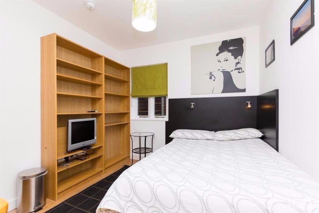 Nice, Comfy Studio Apartment in Hamsptead