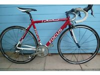 Hardly used Focus Road bike immaculate condition