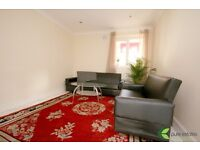 Spacious room to rent in UPTON PARK!