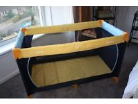 Hauck Dream N Play Travel Cot, 100 x 70 cm - Yellow and Blue