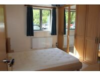 An Amazing two double rooms near Canary Wharf