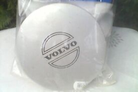 4 volvo centre hub caps from 740