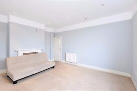 A bright and airy top floor one bedroom flat to rent in a great location for Lots Road.