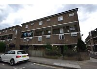 3 bedroom flat in Hungerford Road, Camden, N7