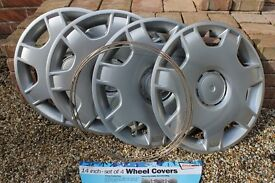 "Universal 14"" wheel cover set - silver"