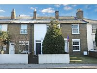 Modern 3 Bedroom House with off street parking at rear in Hanwell