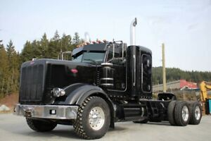 2015 Peterbilt 367 Tandem with 36in Sleeper 367 Hwy Tractor