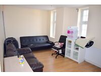 ALL BILLS INCLUDED!!!! 2 DOUBLE BEDROOM FLAT!!! HILLINGDON £1400