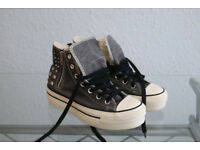 platform high Converse shoes with zip size 5