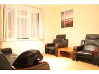 ONE BEDROOM FIRST FLOOR FLAT NEAR SHOPS & BUSES WITH PARKING- HOUNSLOW HANWORTH WHITTON FELTHAM