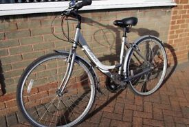 "Ladies Appollo Etienne 19"" Bicycle excellent condition"