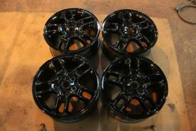 "17"" Discovery 3 Alloy Wheels - Gloss Black"