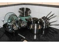 HOUSEHOLD GOODS: POTS WITH LIDS
