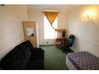 Double room to let for single occupancy RG1