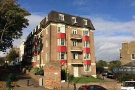 2 bedroom flat in Hyde Vale, London, SE10 (2 bed) (#1026738)