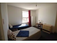 HUGE TWIN ROOM IN ARSENAL 5 MINS FROM THE STATION REALLY NICE LOCATION AVAILABLE NOW !! 2A