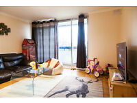 LOVELY 2 Double Bed Flat With Balcony & Free Parking in Lewisham, SE13