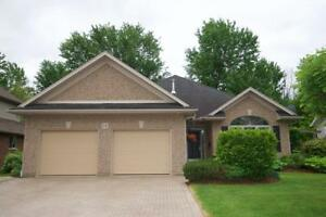 16 BACON Lane Fonthill, Ontario