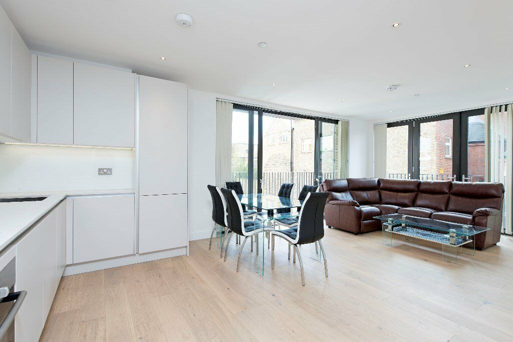*A STUNNING TWO DOUBLE BEDROOM IN BATTERSEA TO RENT*NEW BUILDING* FURNISHED*PRIVATE BALCONY