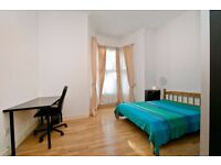 BEAUTIFULLY FINISHED THREE DOUBLE BEDROOM GARDEN FLAT!!
