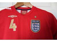 ENGLAND SMALL ADULT FOOTBALL SHIRT 2006 GERRARD 4