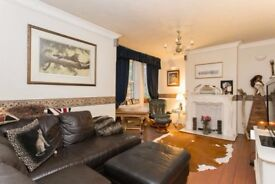 A Fully Furnished Three Bedroom Apartment Close To Cutty Sark DLR
