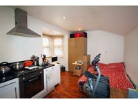 STUDIO APARTMENT - MODERN & FURNISHED - BALHAM - VERY CLOSE TO TUBE & RAIL STATIONS - SW12