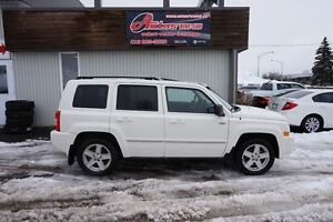 2010 Jeep Patriot Sport/North 4X4 MANUELLE FULL ÉQUIPÉ SEULEMENT