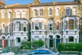 BRIGHT and spacious one bedroom flat to rent in St Johns Hill, Close to CLAPHAM JUNCTION STATION.