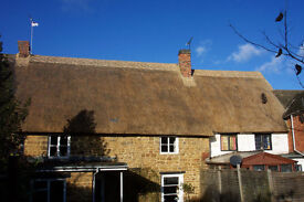 Bloxham 3 bedroom thatched cottage in the heart of the conservation area