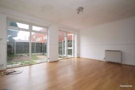 Superb Three Bedroom Property To Rent - Call 07449766908