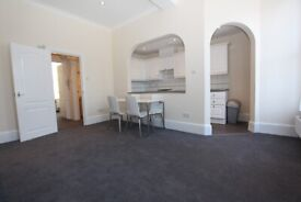 HH3 - Spacious Bright Quiet ONE BED FLAT (1st Floor) - Prime Location in Belsize Park, NW3