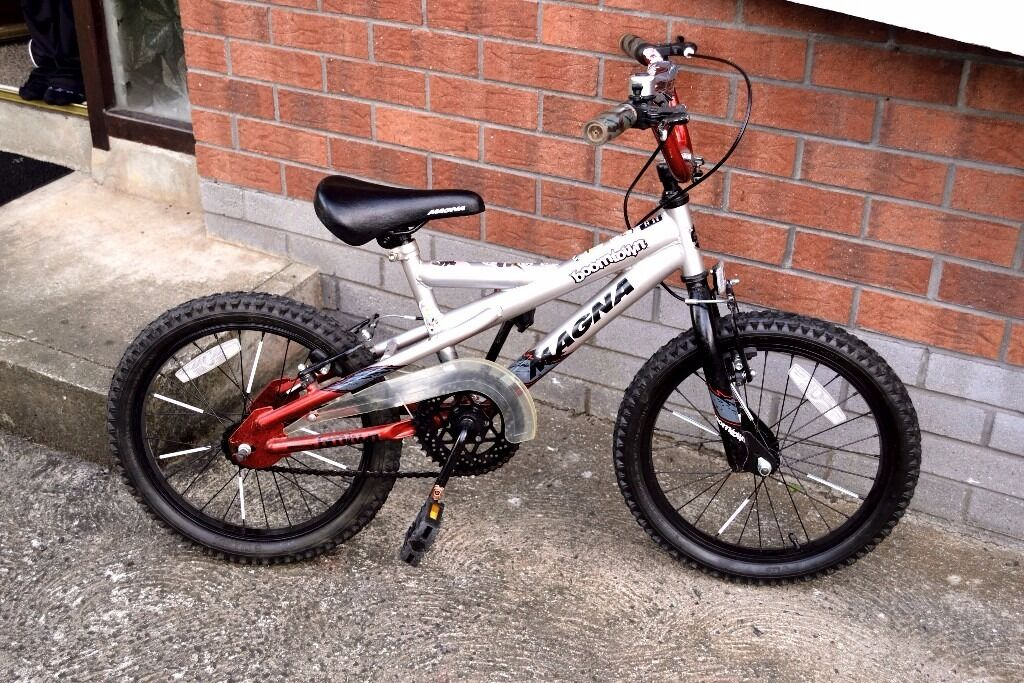 18 inch boys bike in excellent condition