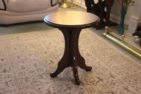 Reid Furnishings Mahogany circular table