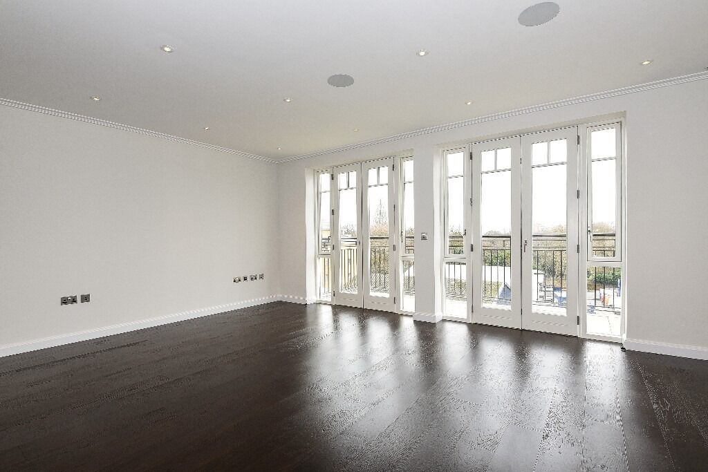 A brand new two bedroom apartment located within the Hurlingham Walk Development, SW6