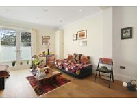 Short Term Let: Charming Raised Ground Floor Flat with pleasant views in Camden Area