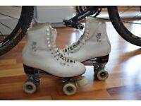Figure skating quad skates