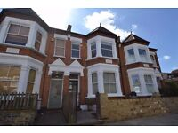 ++++NO AGENCY CHARGES ON THIS 4 BED 2 BATH HOUSE WITH GARDEN ***CHISWICK***