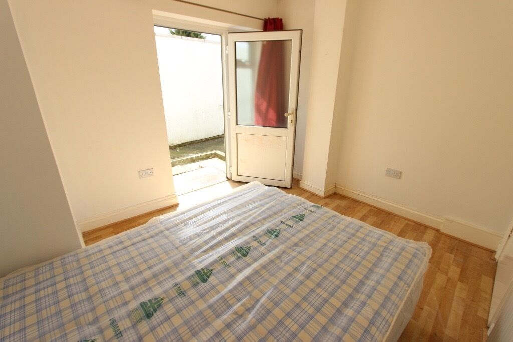 1 bed Ilford. perfect for a couple, sharers or small family. IG1 CHADWELL HEATH, GOODMAYES, BARKING