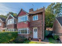 3 bedroom house in Locke King Road, Weybridge, KT13 (3 bed) (#927769)