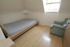 1 Lovely Double bedroom