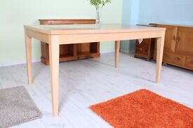 5 x 3 FT TABLE LEGS DETACH CLEAN , GREAT WORK BENCH TOO - CAN DELIVER