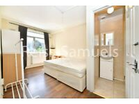 STUDENTS - LOVELY 4 BEDROOM 2 BATHROOM PROPERTY WITH A GARDEN IN CHURCHWARD HOUSE SE17