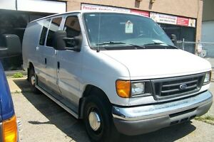 2005 Ford E-350 ALLONGE DIESEL (LOCATION 350$+TX)