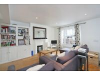 Bright & Spacious 3 Bedroom Split Level Flat - Private Garden - 5 Mins From C Junction Station SW11